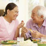 Chế độ ăn uống hợp lý dành cho người cao tuổi khi chán ăn