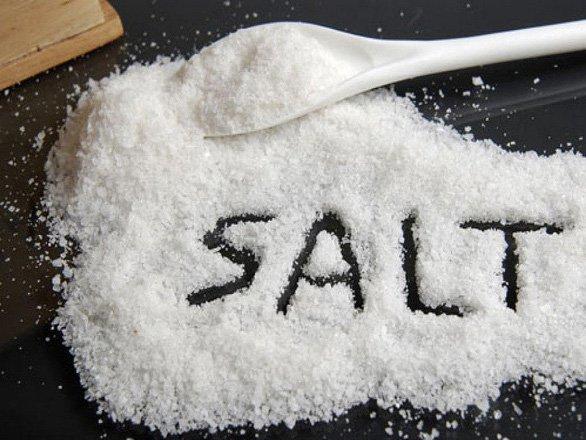 Đồ ăn dặm cho bé có cần muối không?