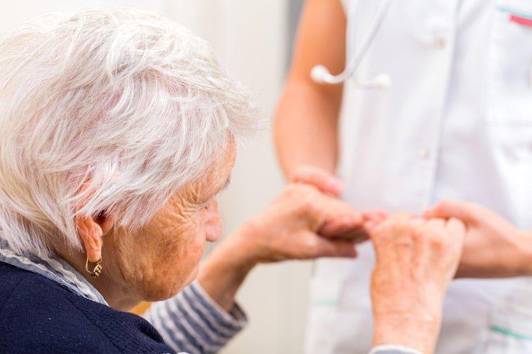 Tình trạng sức khỏe của người lớn tuổi